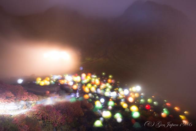夜の涸沢テント村