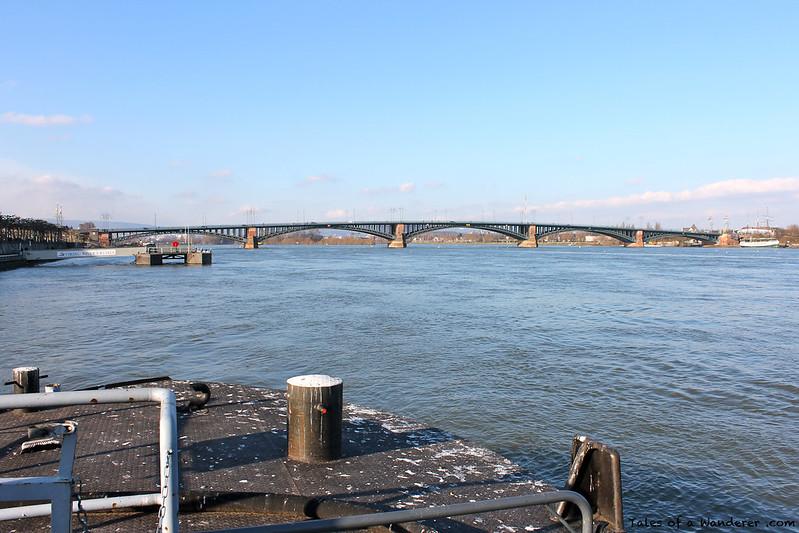 MAINZ - Theodor-Heuss-Brücke / Der Rhein