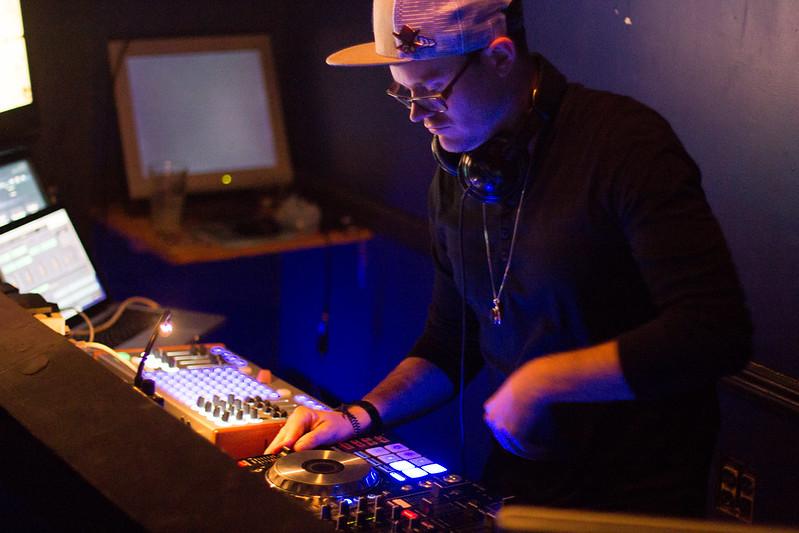 Realeyez at Mix | 10-9-2014
