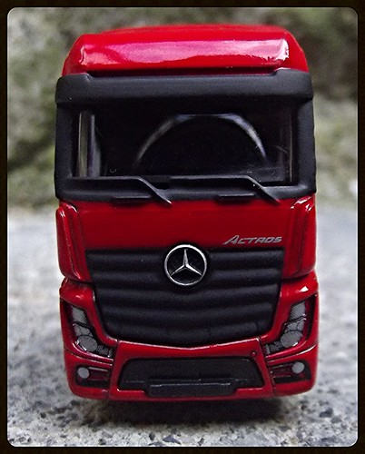N°623/612 Mercedes Actros pompier Grande echelle. 15600473076_988e1da897