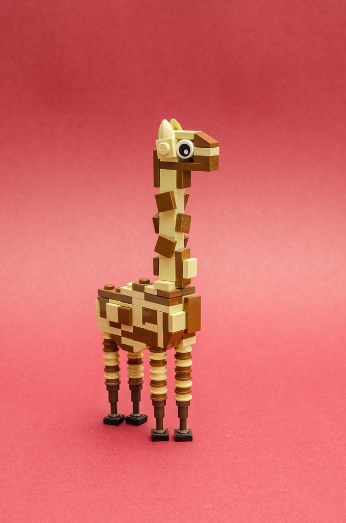 Giraffe (custom built Lego model)
