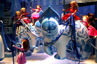 PICT0005/Paris City/New Year Celebration/Galeries Lafayette/Vitrine de Noel/
