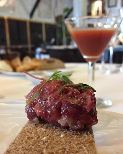 Steak tartar de vaca tudanca! @elnuevomolino #cantabriainfinita #turismo #restaurant #estrellamichelin #steaktartar #tudanca #vaca #foodporn #foodaddict #steakfood #michelin #lovefood #lovefoodies #instafood