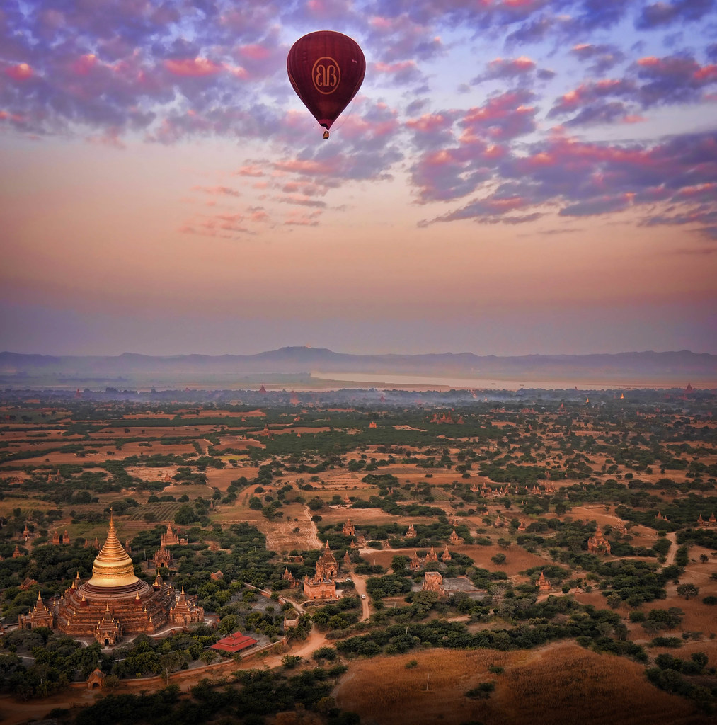 Balloon ride over Bagan. Amazing!