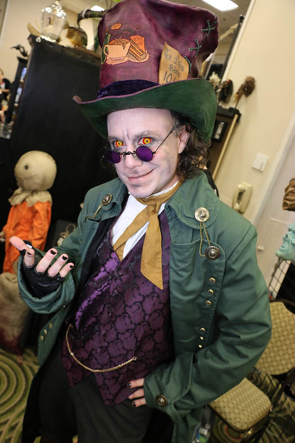 More photos from Spooky Empire's Ultimate Horror Weekend 2014:
