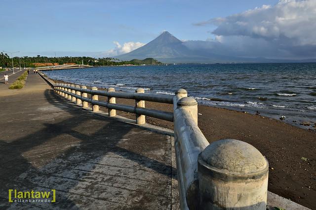 Legazpi's boulevard