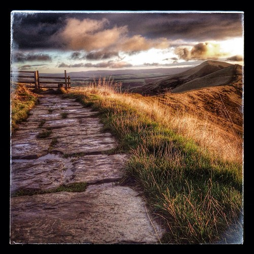 sky clouds sunrise rainbow nikon derbyshire peakdistrict hills edge waking d200 mamtor castleton rushup thegreatridge