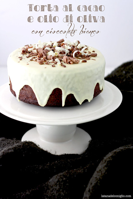 torta al cacao e all'olio extravergine di oliva con cioccolato bianco