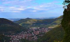 Fernblick (60km) über Honau und Unterhausen und der Achalm bei Reutlingen  bis zum Fernsehturm Stuttgart