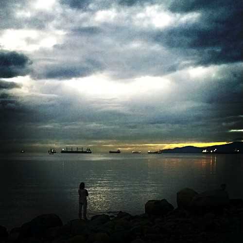 Sunset at English Bay, Vancouver BC . #sunset #englishbay #sunsetporn #frenweh #wanderlust #travel #foodie #foodporn #vagabond #explorer #traveler #passport #grateful #entrepreneur #travel #networker #vancouver #Canada #bangkok #lumia1020 #Nokia #pureview