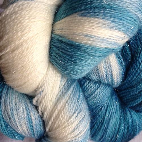 Dye2Spin Lace