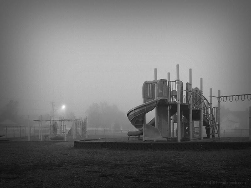 DSCN9418_playground_fog