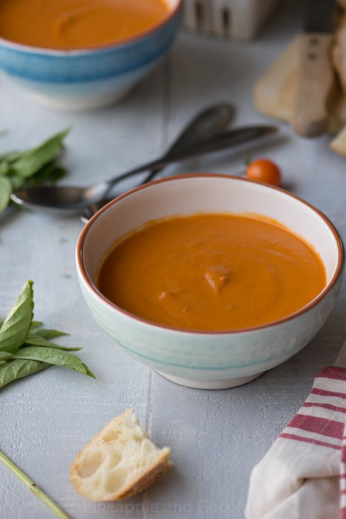 15609861236 5a1e2f6358 b Easy Creamy Tomato Soup