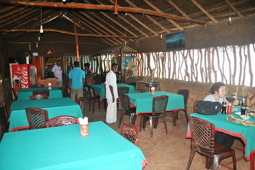 108 Restaurante en Ambalantota (2)