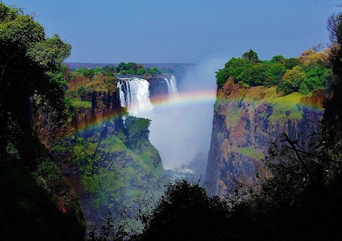 brazil that smoke ngc falls npc zimbabwe victoriafalls rainbows iguazu queenvictoria tonga livingstone thunders rival argentia mosioatunya largestwaterfall coth5 tokaleya southafricatrip2011