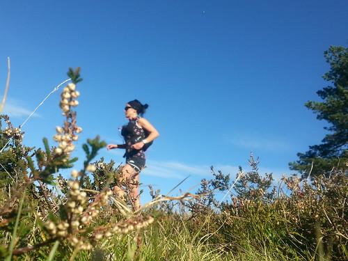 Corriendo con la mochila de trail running