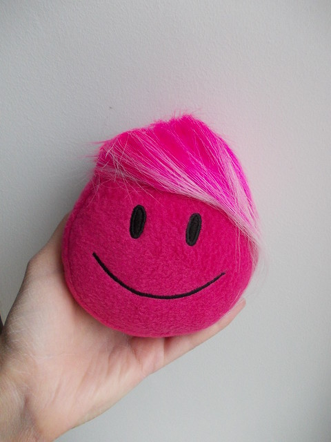 11 Smile_Smiley_smiley face_happy face_geekery_childrens toys_stuffed toys_soft toys
