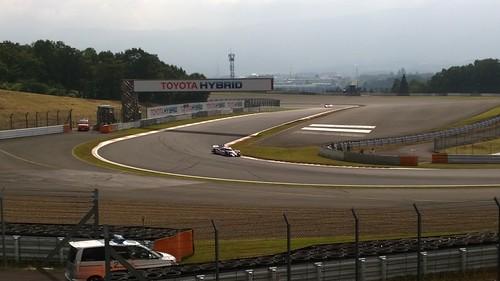 WEC 2014 Rd.5 Fuji アドバンコーナーを駆け抜けるTS040 Hybrid