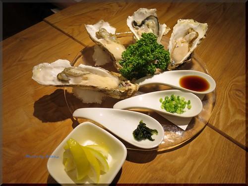 Photo:2014-10-02_T@ka.の食べ飲み歩きメモ(ブログ版)_【新宿】OYSTERS,INC.(ダイニングバー)この日は牡蠣の専門店で昆布森産の生牡蠣を_01 By:logtaka