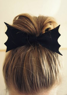 bat hair bow