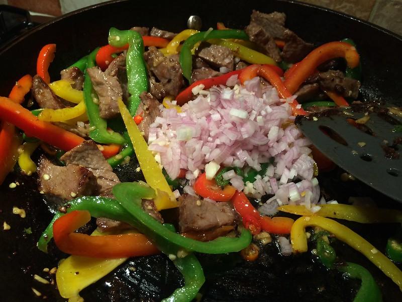 Sizzling Beef Teriyaki : Add the shallots and garlic