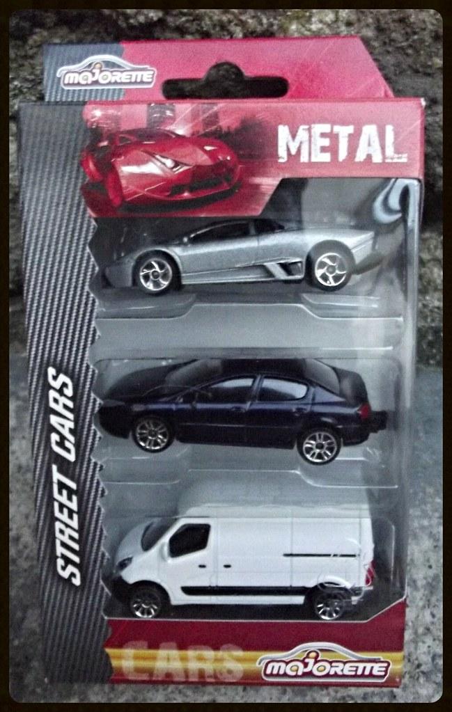 Pack Street cars par 3 15438859617_17bde6e19b_b