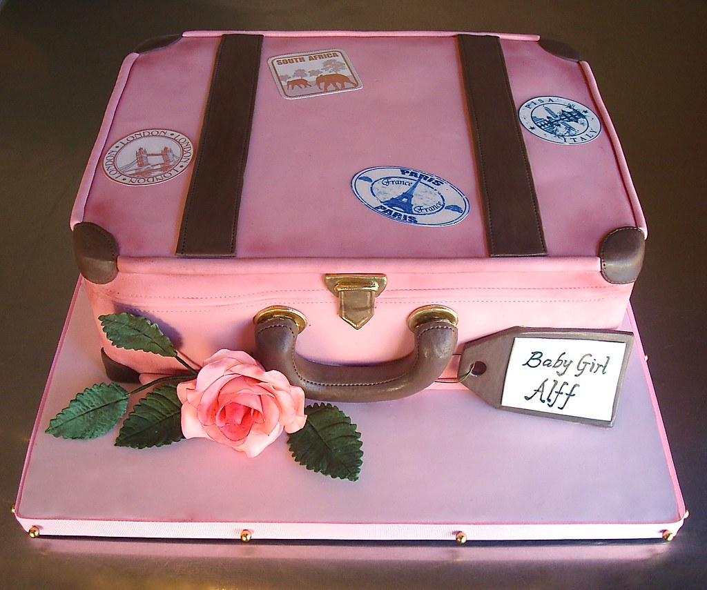 Flickr photos tagged suitcasecake | Picssr