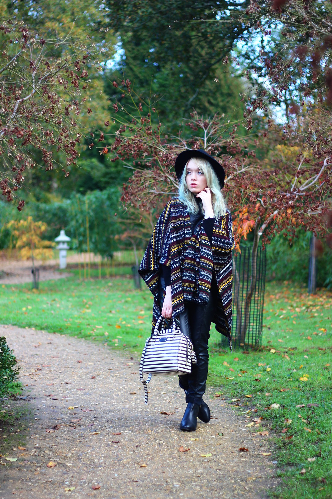 1britfash, fashion_blogger_style, blanket_coat, aztec_print, topshop, kate_spade, britfash