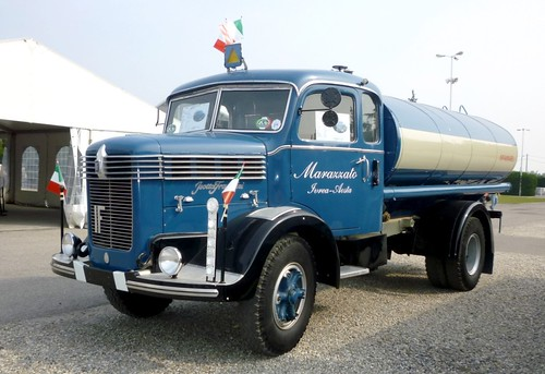 Isotta Fraschini D80 cisterna