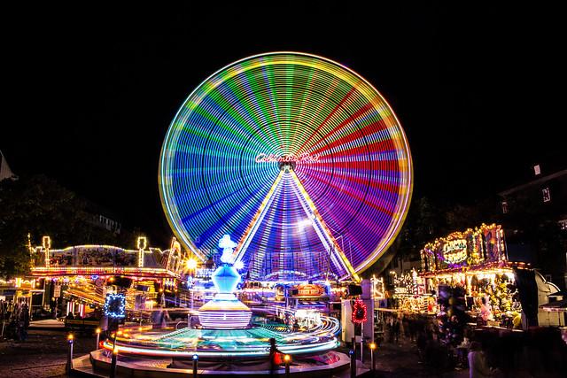 Jahrmarkt mit Riesenrad
