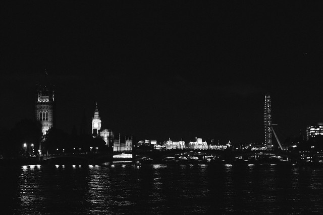{london at night} via chevrons & éclairs