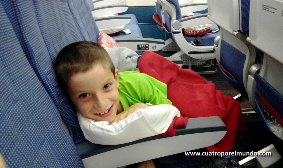 Preparado para dormir en el avión a Montevideo