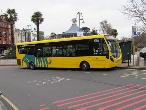 Yellow Buses SA854