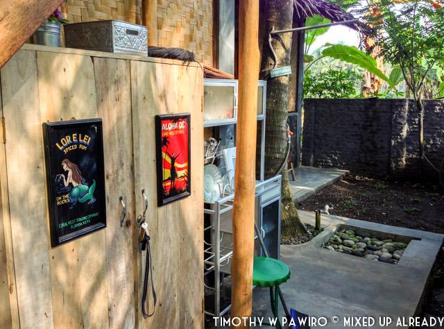 Indonesia - Pangandaran - Batukaras - Rumah Raia - Small kitchen