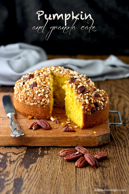 Pumpkin and granola cake