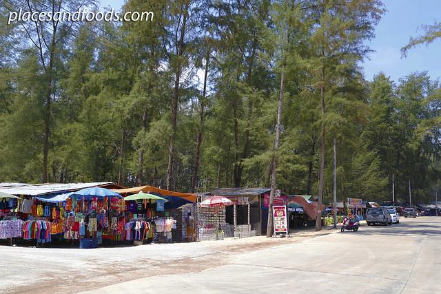 narathat beach food stalls