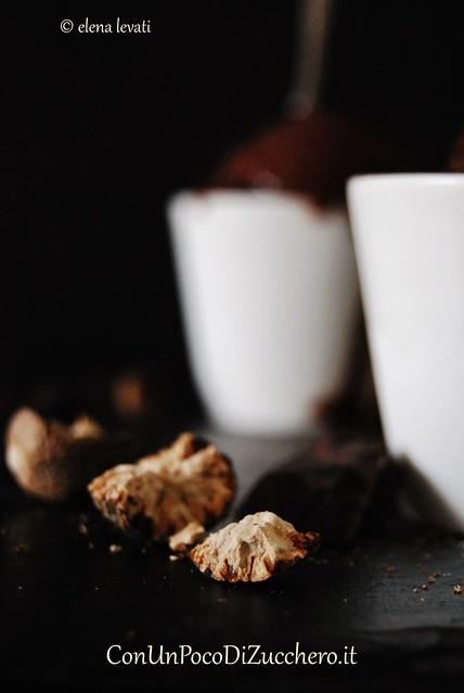Gelato al cioccolato fondente e noce moscata 3