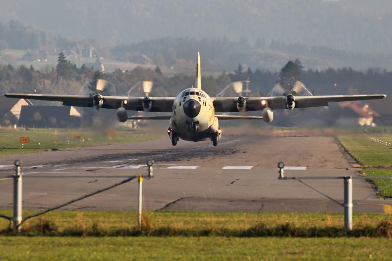 FRA: Photos d'avions de transport - Page 20 15665327086_6e893cab4d_b