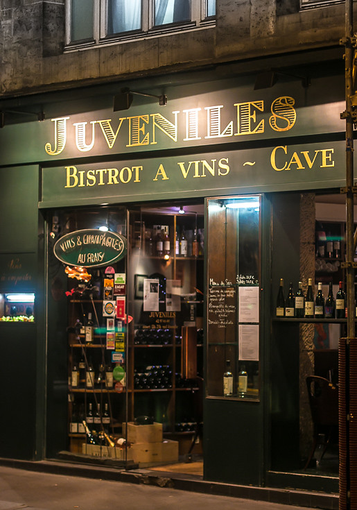 Juveniles Wine Bar & Restaurant in Paris