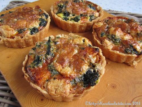 Pumpkin tarts with spinach and Gorgonzola (1)