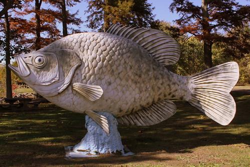 tn tennessee fiberglass roadsideamerica bigfish crappie reelfootlake samburg fiberglassfish obioncounty hornbeak bmok kirbypocket