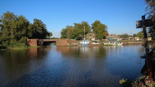 bridge canon boat louisiana historic bayou shrimpboat lockport lafourcheparish canonrebel3ti ilobsterit