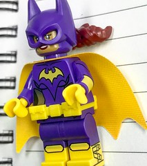 More Yvonne Craig than Alicia Silverstone, the new Batgirl minifigure features great printing, including buckles on the side of her boots! #thelegobatmanmovie #batgirl #LEGO