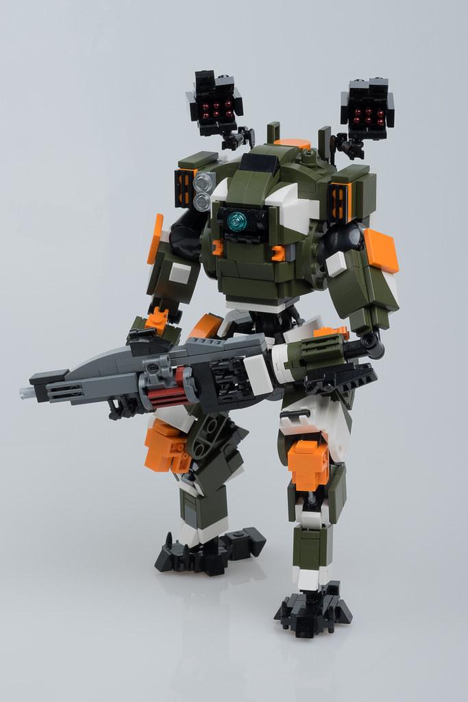 "BT-7274 (from ""Titanfall 2"") (custom built Lego model)"