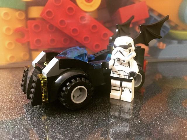 Batman me ha dejado su coche!
