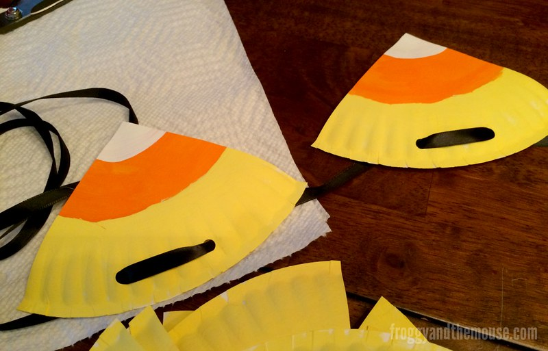paper_plate_candy_corn_banner