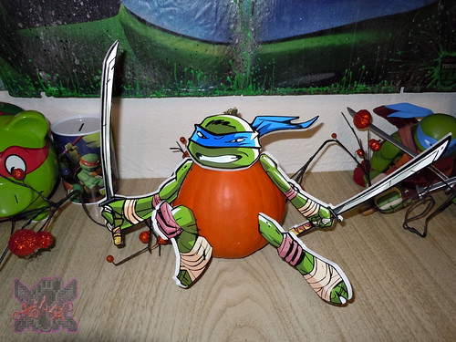 "PTI Group :: Nickelodeon  TEENAGE MUTANT NINJA TURTLES;  ""LEONARDO""  PUMPKIN PUSH-INS viii  (( 2014 ))"