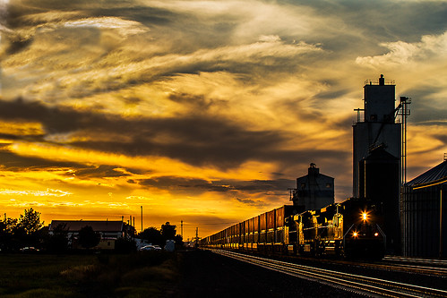 sunset up nebraska unionpacific hershey ge doublestacks kearneysub