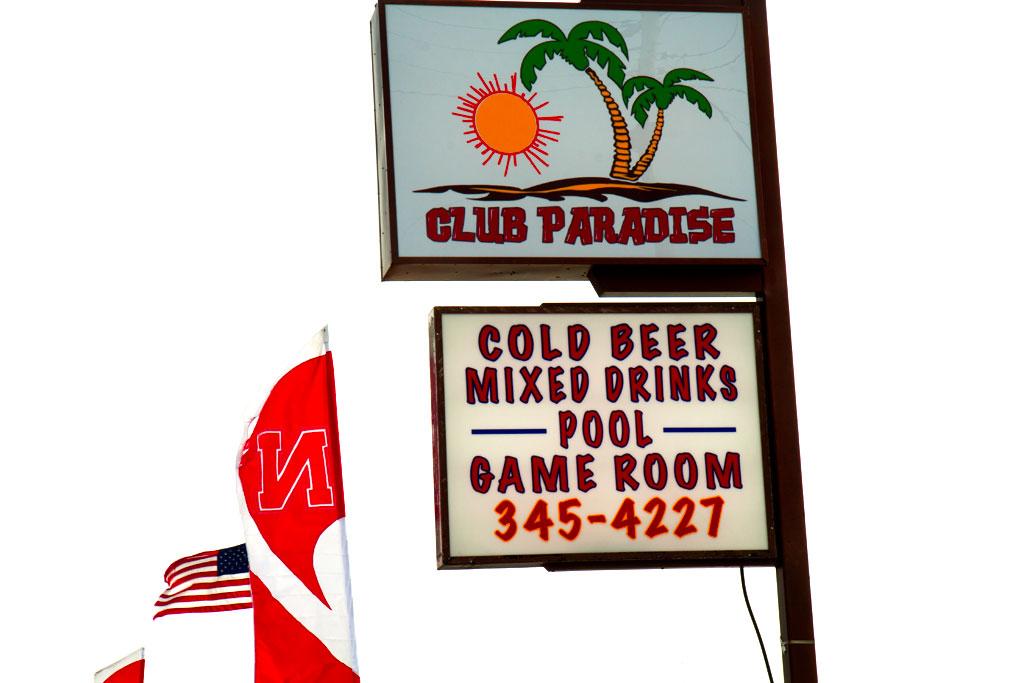 CLUB-PARADISE--McCook