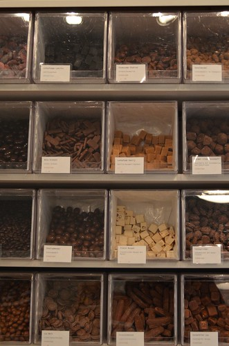 Herr Nilsson Godis Berlin_ Scandinavian candy store_ chocolate candy bins